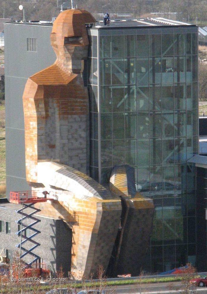 מוזיאון גוף האדם, מוזיאון גוף האדם בהולנד, מבנה גוף האדם, הולנד, קורפוס