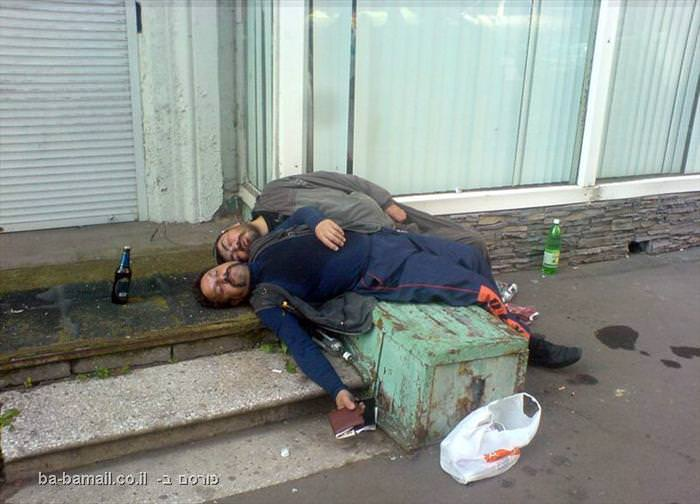 רוסיה, מוזר, שיכורים, מסטולים, ישנים ברחוב