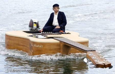 סירה, סירה מוזרה, כלי שיט, סירת גיטרה, גיטרה אקוסטית