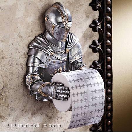 מתקני נייר טואלט, שירותים, אביר