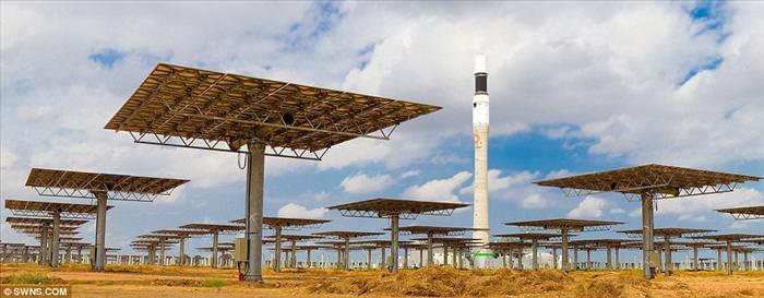 אנרגיה סולארית בלילה? תחנת הכוח הראשונה מסוגה הוקמה בספרד
