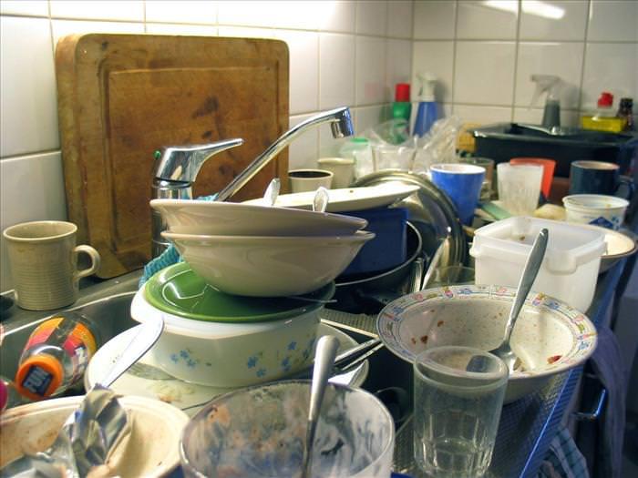 כלים בכיור