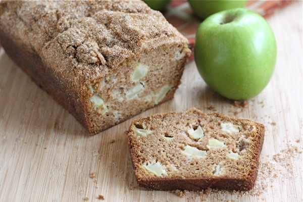 לחם קינמון ותפוח