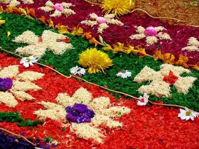 פסטיבל השטיחים בגואטמלה