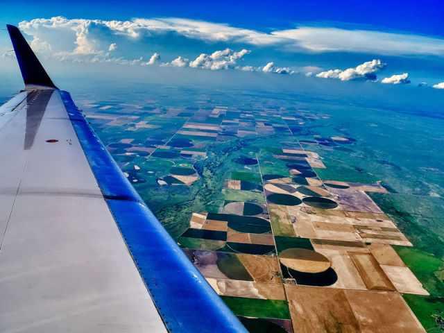 תמונות של אתרים שצולמו מחלון מטוס