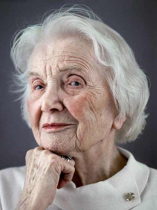 פורטרטים של זקנים שעברו את גיל 100