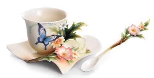 ספלי תה נפלאים