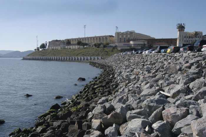 יום בחיי כלא סן קוונטין - הצצה מאחורי הסורגים!