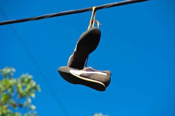 נעליים על חוט