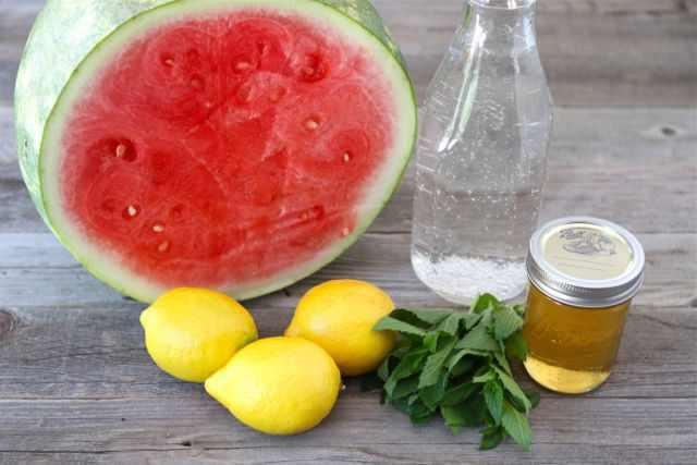 מיץ אבטיח לימון ודבש