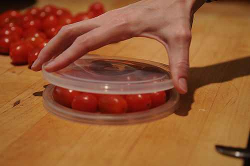 טיפ לחיתוך עגבניות שרי