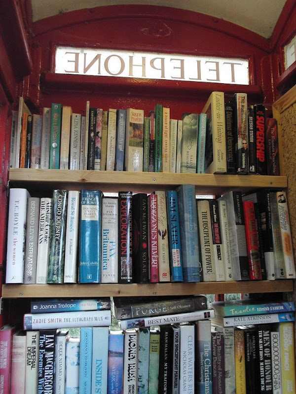 מתא טלפון אדום לספריה בבריטניה