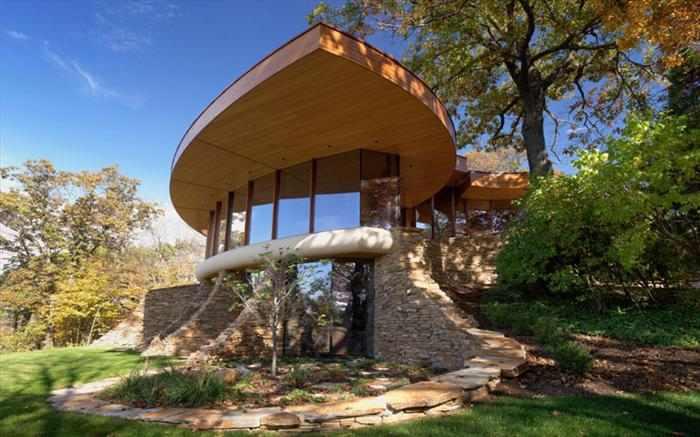 בית מדהים על אגם