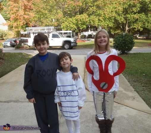 ילדים בתחפושות יצירתיות
