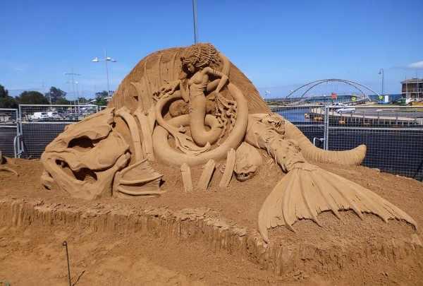 פיסול בחול