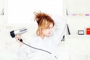 איך לשמור על שיער צבוע