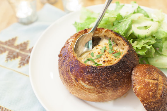 מרק בצל צרפתי בלחם