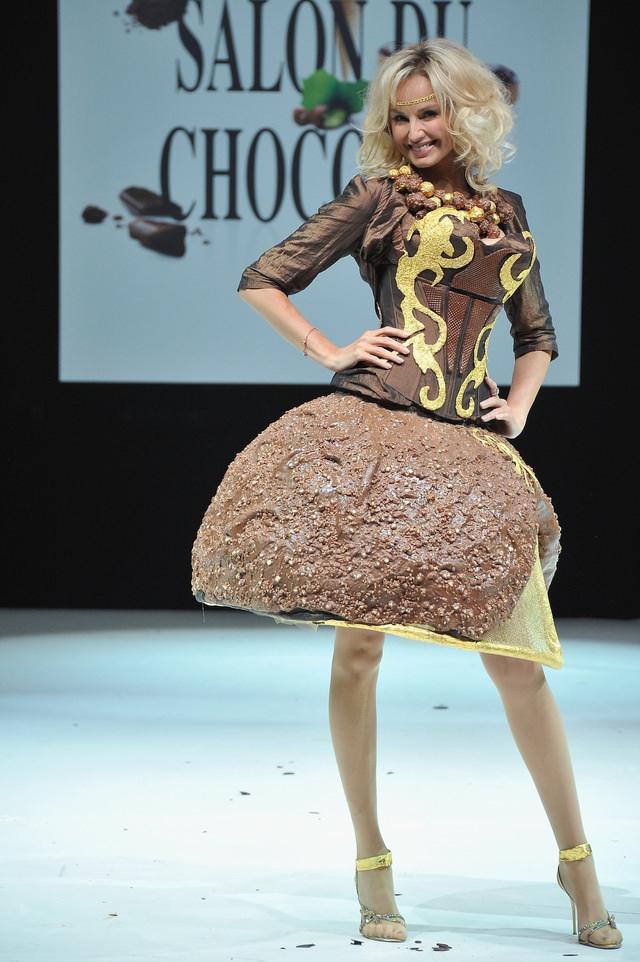 בגדים עשויים שוקולד