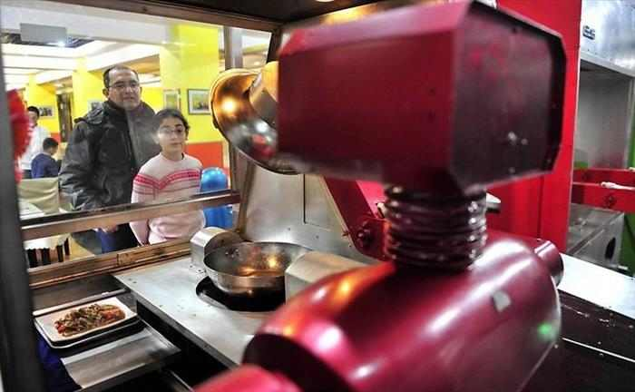 מסעדת רובוט בסין
