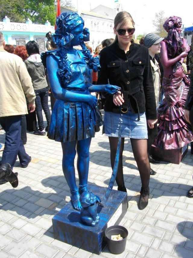 פסלים אנושיים מאוקראינה