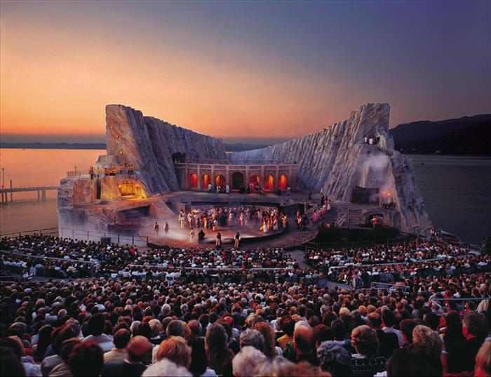 פסטיבל אופרה על המים באוסטריה