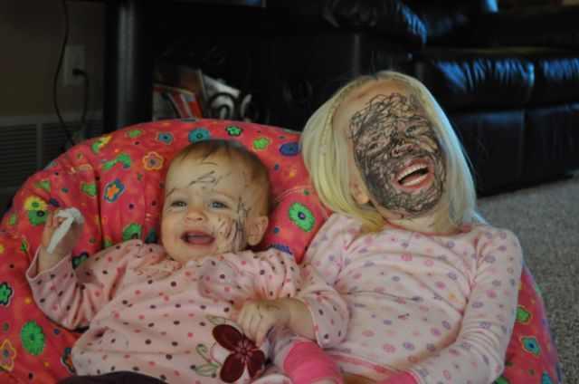 תמונות מצחיקות של ילדים עושים בלאגן