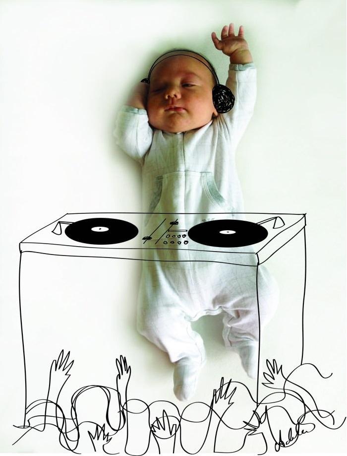 תינוקת חולמת