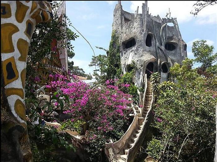 הבית המשוגע בוייטנאם - יומן מסע מצולם