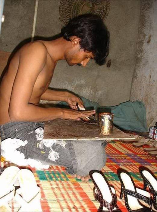 סדנת יזע לייצור נעליים