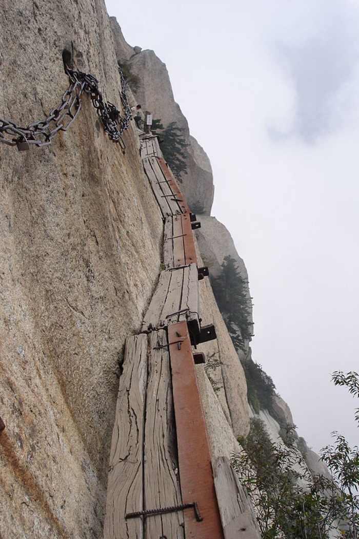 האם אתם אמיצים מספיק בשביל לבקר במסלולי הטיול המסוכנים בעולם?
