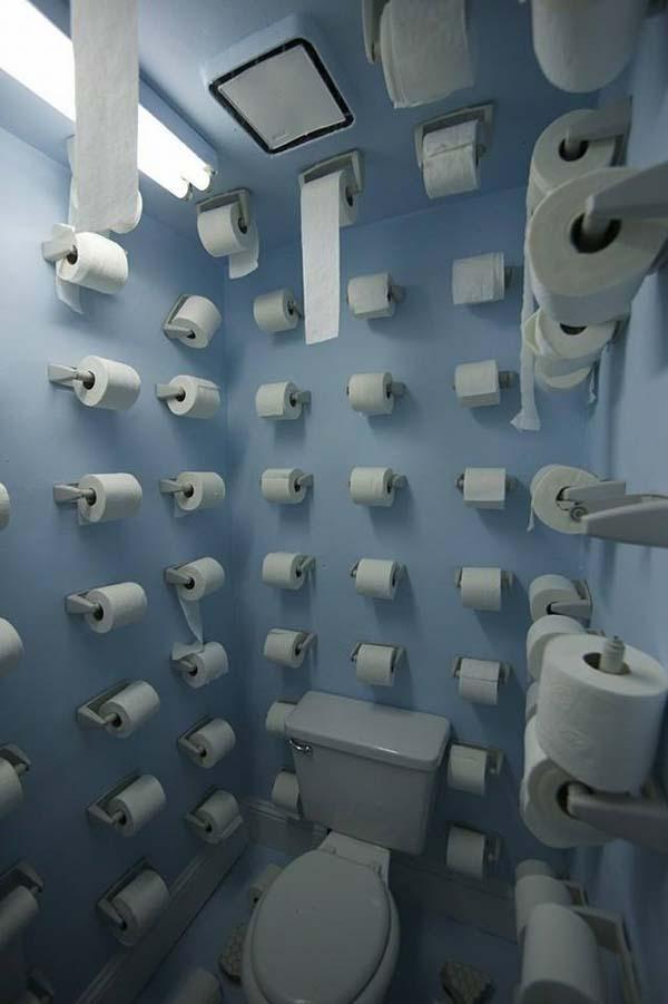שירותים מצחיקים