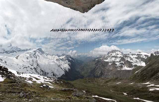 לא רק שהם טיפסו על הרי האלפים, הם גם דגמנו שם לתמונות מדהימות!