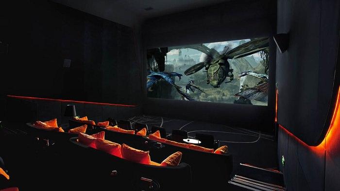 בתי קולנוע מיוחדים