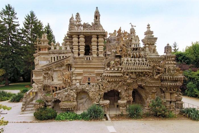הארמון האידיאלי