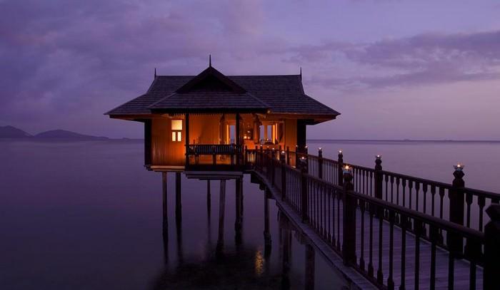 בתים על המים