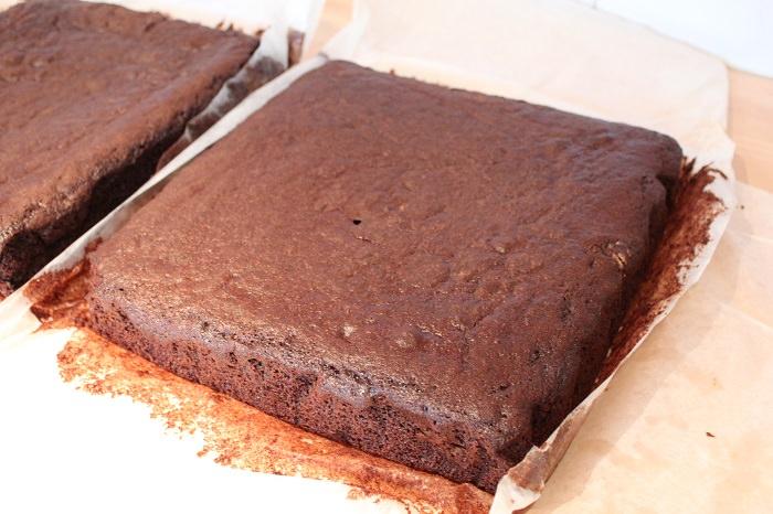 עוגת שיש ורדים ושוקולד