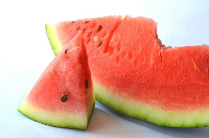 יתרונות בריאותיים של פירות קיץ