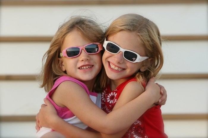 ילדים חכמים בשמש