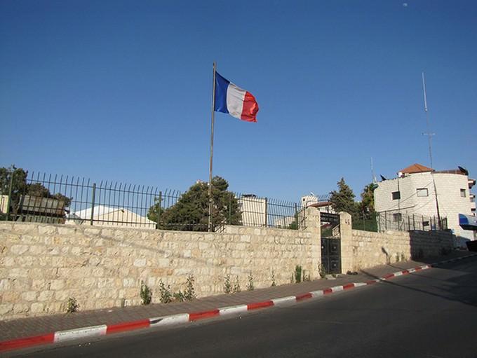 חומה בשכונה בירושלים