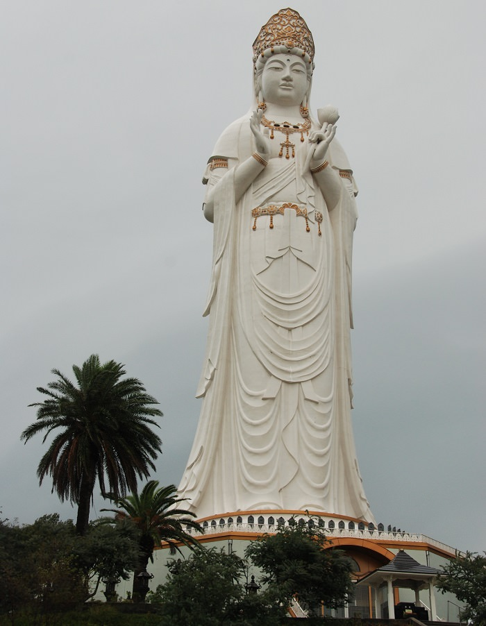 הפסלים הגבוהים בעולם