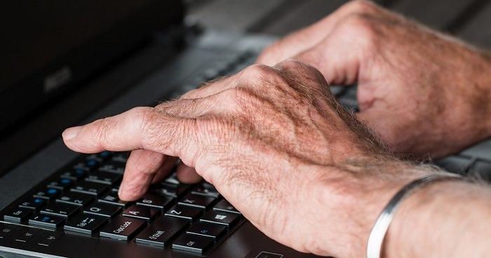 עור ידיים מבוגר