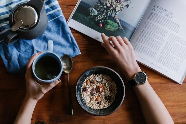 ארוחת בוקר עם ספר