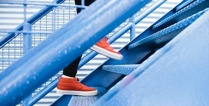 טיפוס במדרגות