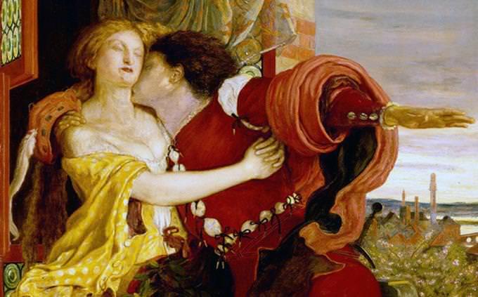 ציור של רומאו ויוליה על מרפסת, כשרומאו מנשק את צווארה של יוליה