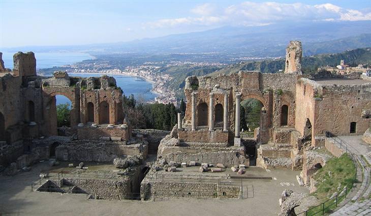 התיאטרון היווני של טאורמינה