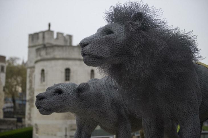 אריות על המשמר, לונדון - אנגליה