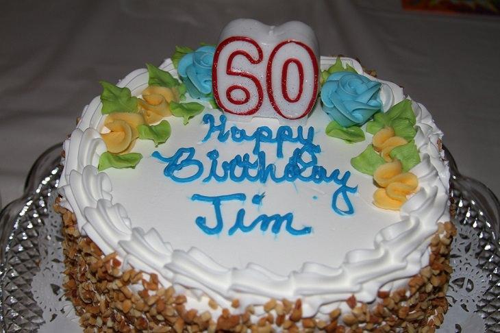 עוגת יום הולדת לגיל 60