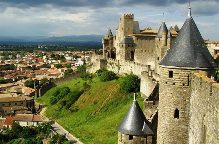 ערים ועיירות שהשתמרו מימי הביניים
