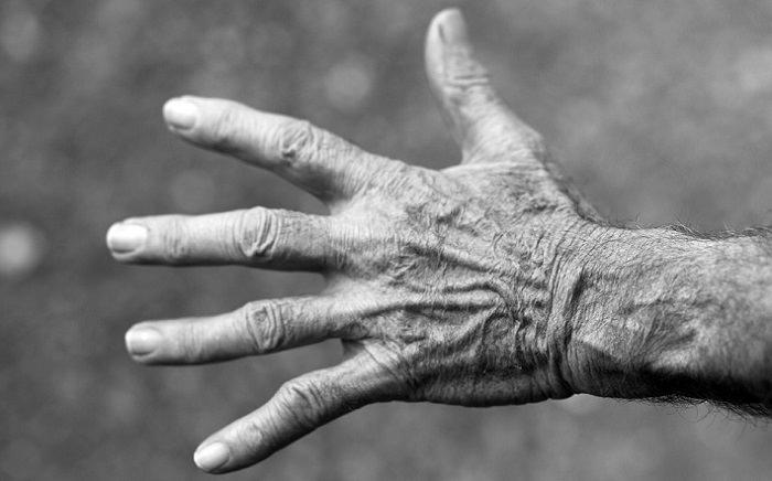 סיבות לעקצוץ ברגליים ובידיים