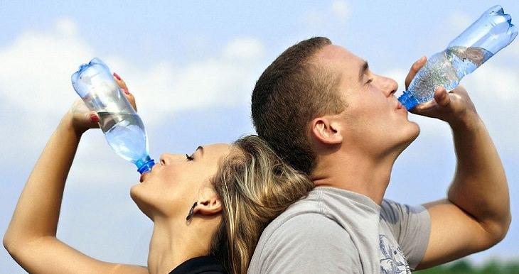 שימוש חוזר בבקבוקי פלסטיק